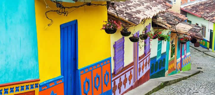 Spanish Phrases You Only Hear in Colombia